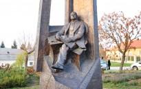 Wekerle Emlékmű - Mór, Erzsébet tér